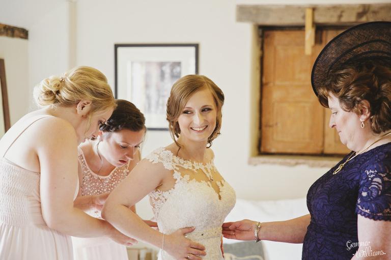 Lyde-Arundel-Wedding-GemmaWilliamsPhotography011(pp_w768_h511).jpg