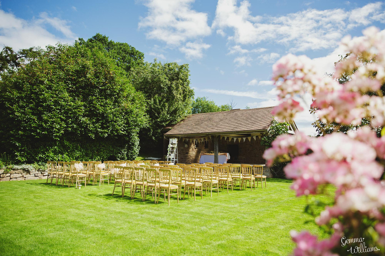 Lyde-Arundel-Wedding-GemmaWilliamsPhotography015(pp_w768_h511).jpg