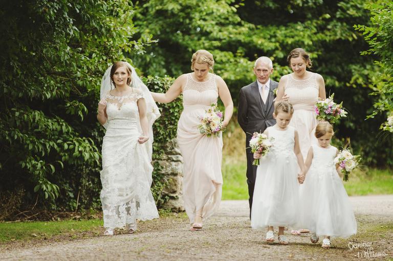 Lyde-Arundel-Wedding-GemmaWilliamsPhotography019(pp_w768_h511).jpg