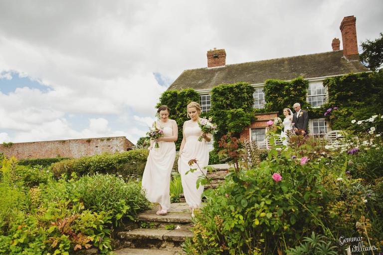 Lyde-Arundel-Wedding-GemmaWilliamsPhotography021(pp_w768_h511).jpg