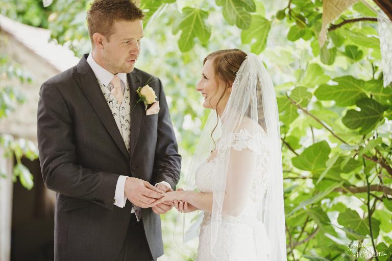 Lyde-Arundel-Wedding-GemmaWilliamsPhotography027(pp_w768_h511).jpg