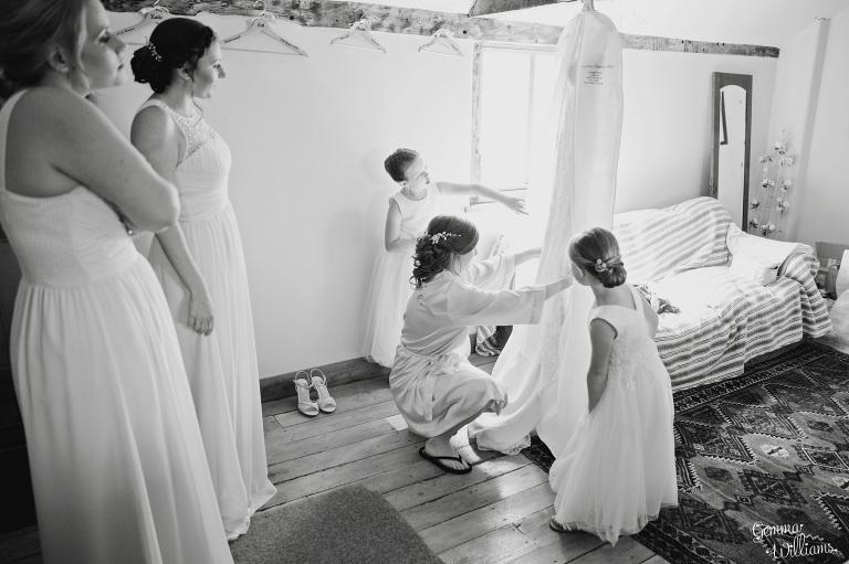Lyde-Arundel-Wedding-GemmaWilliamsPhotography028-1(pp_w768_h511).jpg