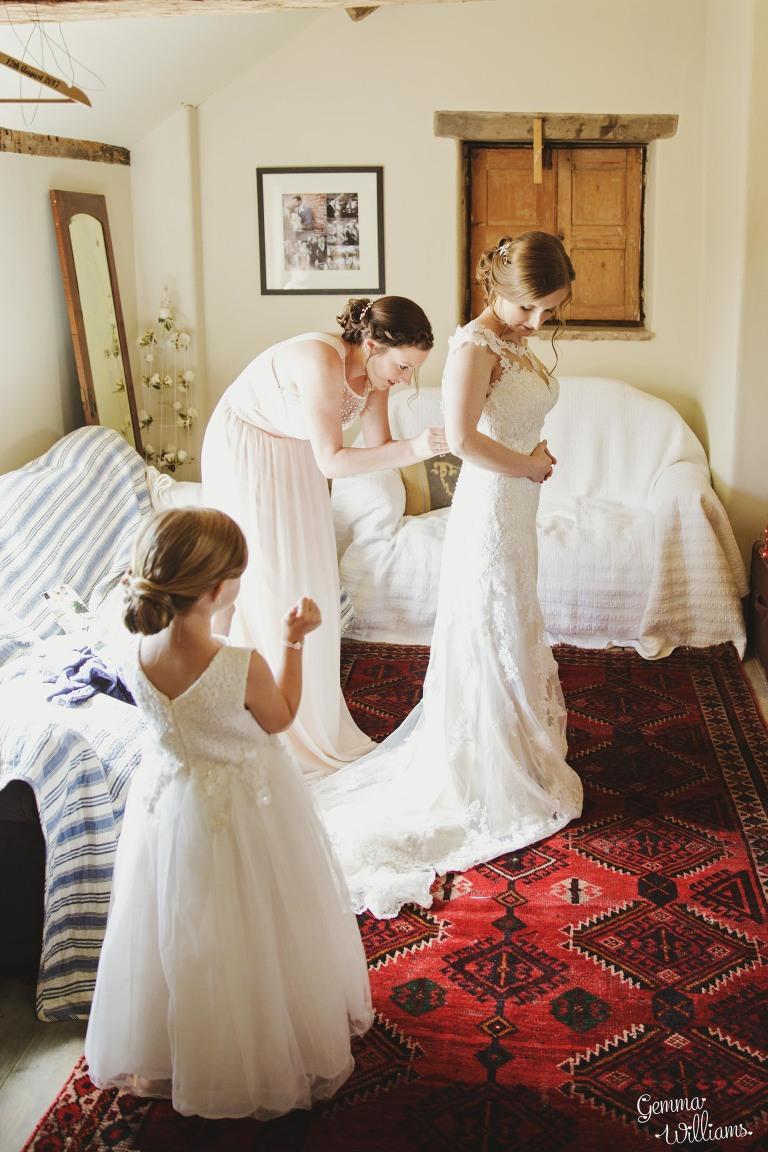 Lyde-Arundel-Wedding-GemmaWilliamsPhotography029-1(pp_w768_h1152).jpg