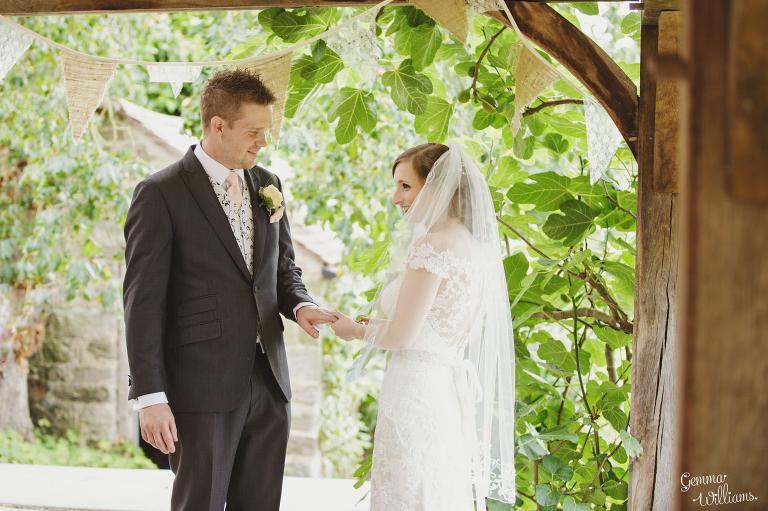 Lyde-Arundel-Wedding-GemmaWilliamsPhotography030(pp_w768_h511).jpg