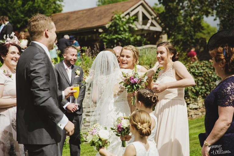 Lyde-Arundel-Wedding-GemmaWilliamsPhotography038(pp_w768_h511).jpg