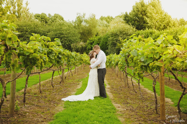 Lyde-Arundel-Wedding-GemmaWilliamsPhotography075(pp_w768_h511).jpg