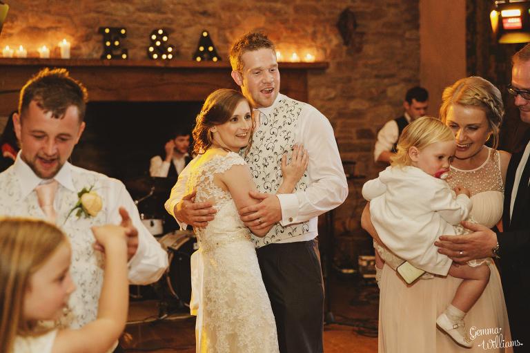 Lyde-Arundel-Wedding-GemmaWilliamsPhotography081(pp_w768_h511).jpg