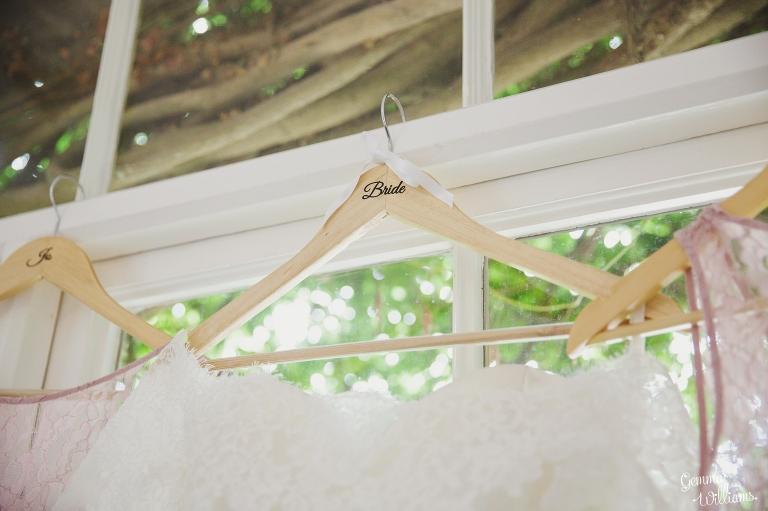 Lyde-Court-Wedding-GemmaWilliamsPhotography020(pp_w768_h511).jpg