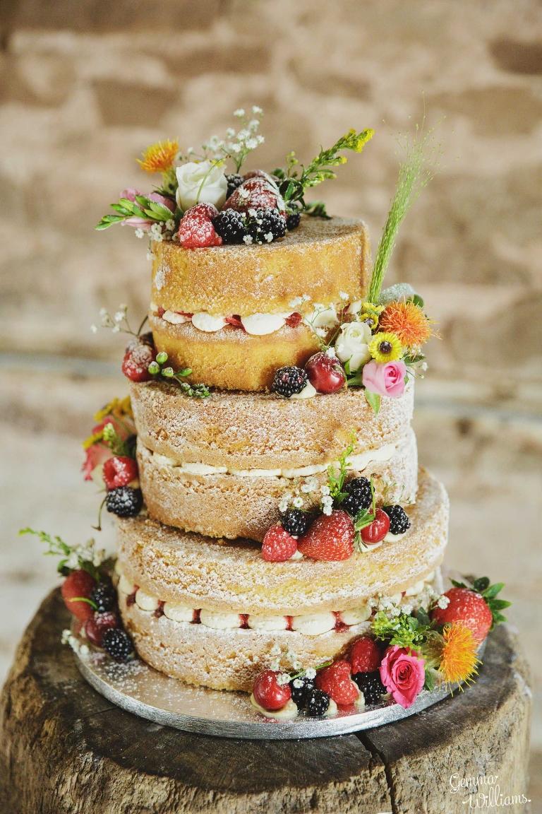 Lyde-Court-Wedding-GemmaWilliamsPhotography150(pp_w768_h1152).jpg