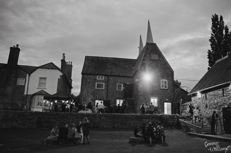 Lyde-Court-Wedding-GemmaWilliamsPhotography263(pp_w768_h511).jpg