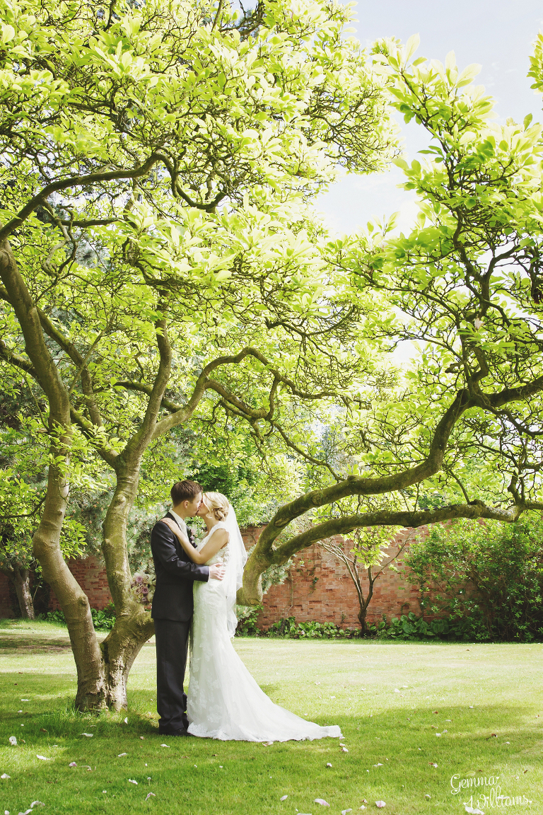 Brockencote-Hall-Worcestershire-Wedding-by-Gemma-Williams-Photography_0067(pp_w768_h1152).jpg
