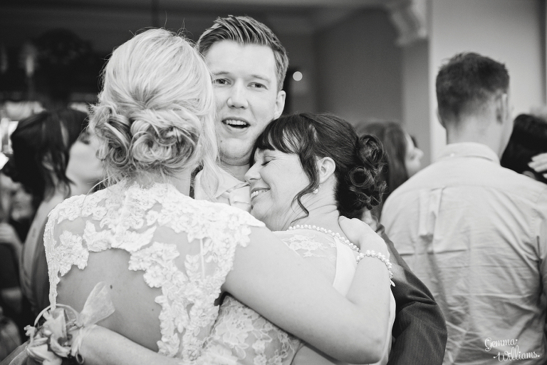 Brockencote-Hall-Worcestershire-Wedding-by-Gemma-Williams-Photography_0157(pp_w768_h512).jpg