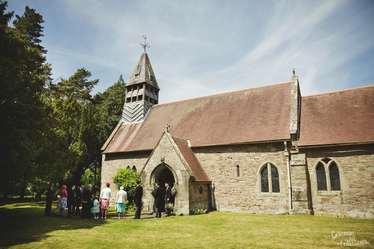 Broadfield-Court-Herefordshire-Wedding-by-Gemma-Williams-Photography_0021(pp_w768_h512).jpg