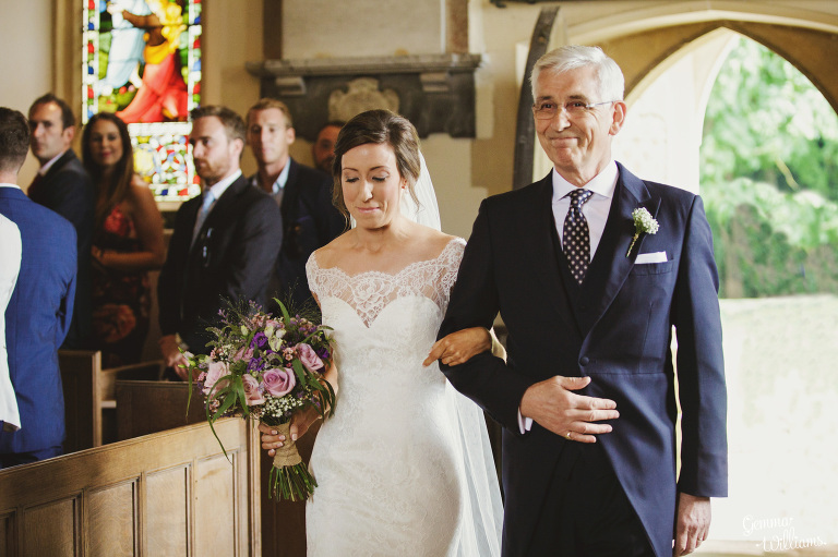 kingscote-barn-wedding-gemmawilliamsphotography_0022(pp_w768_h511).jpg