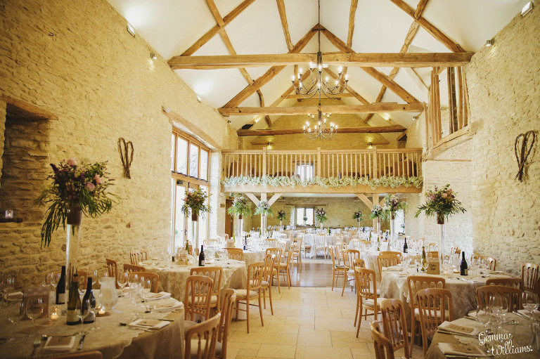 kingscote-barn-wedding-gemmawilliamsphotography_0049(pp_w768_h511).jpg