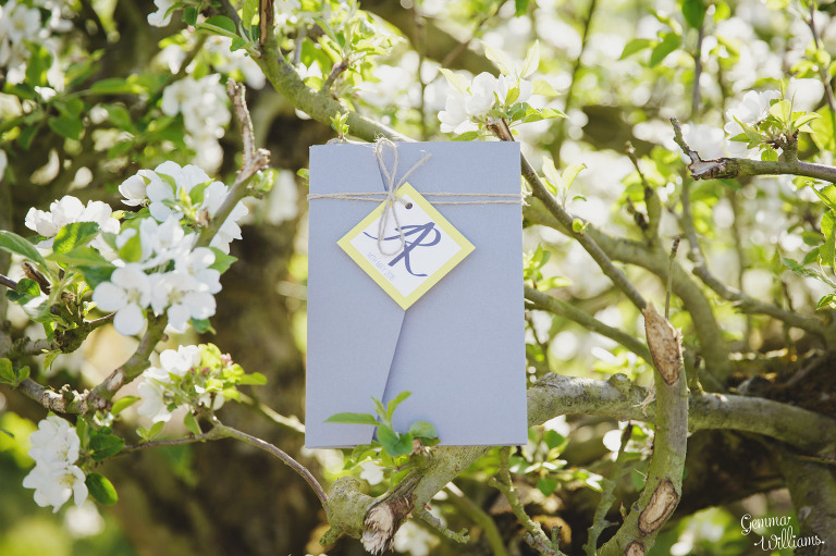 herefordshire-countryside-wedding-gemmawilliamsphotography_0002(pp_w768_h511).jpg