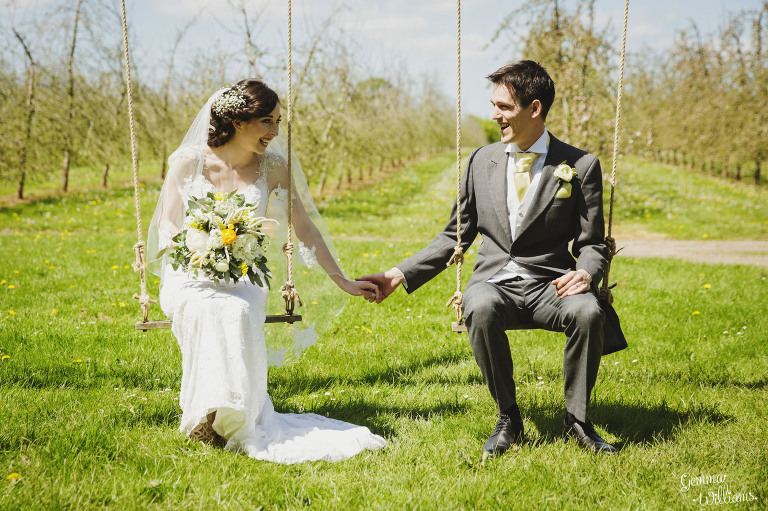 herefordshire-countryside-wedding-gemmawilliamsphotography_0029(pp_w768_h511).jpg