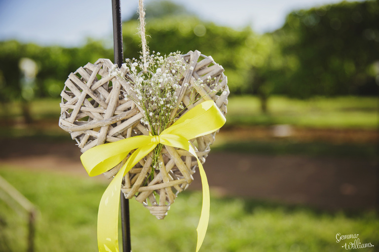herefordshire-countryside-wedding-gemmawilliamsphotography_0048(pp_w768_h511).jpg