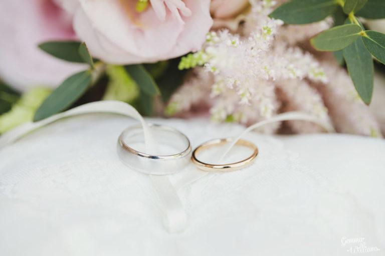 Curradine-Barns-Wedding-GemmaWilliamsPhotography001-1024x682(pp_w768_h511).jpg