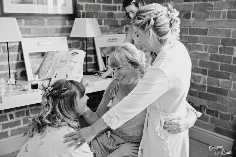 Curradine-Barns-Wedding-GemmaWilliamsPhotography011-1024x682(pp_w768_h511).jpg