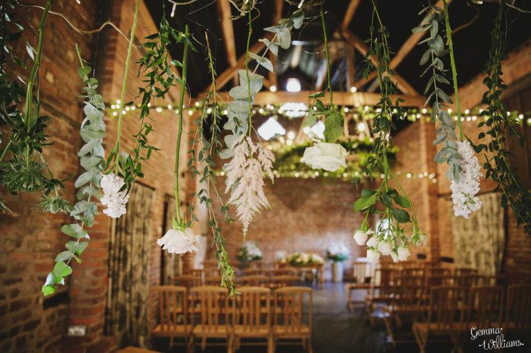 Curradine-Barns-Wedding-GemmaWilliamsPhotography017-1024x682(pp_w768_h511).jpg