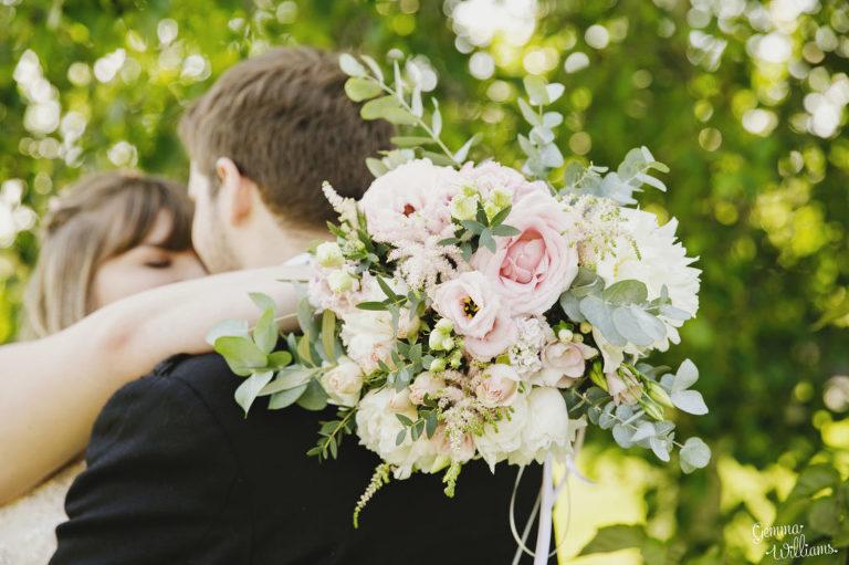 Curradine-Barns-Wedding-GemmaWilliamsPhotography035-1024x682(pp_w768_h511).jpg