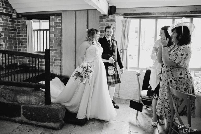 Curradine-Barns-Wedding-GemmaWilliamsPhotography042-1024x682(pp_w768_h511).jpg