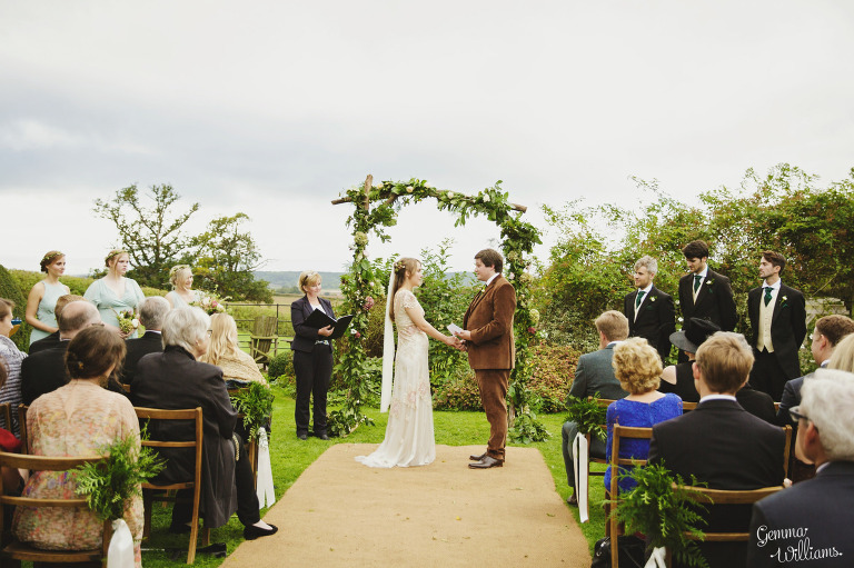 dewsall-court-herefordshire-outdoor-wedding-gemmawilliamsphotography_0032(pp_w768_h511).jpg