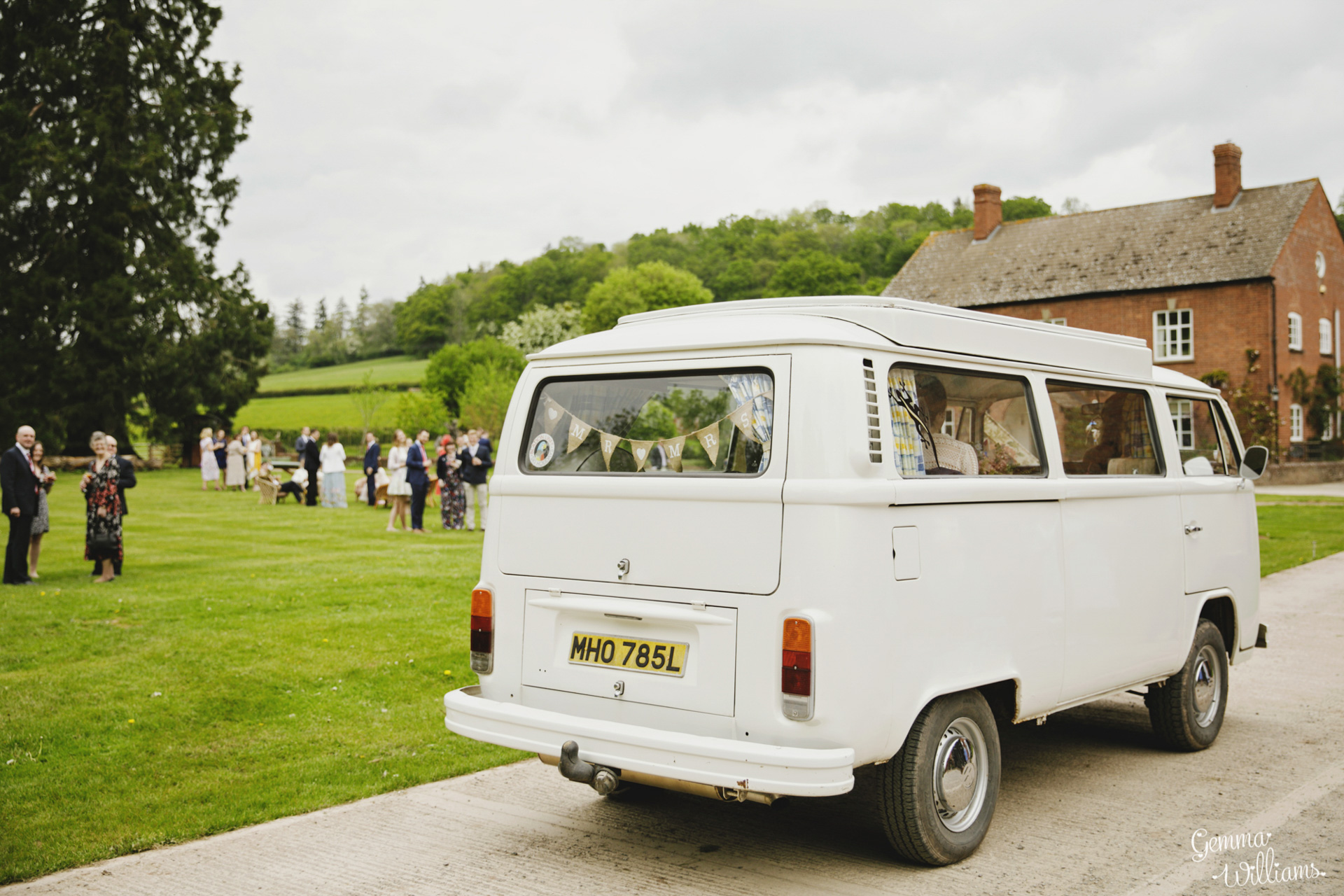 HaybarnWedding_GemmaWilliamsPhoto080.jpg