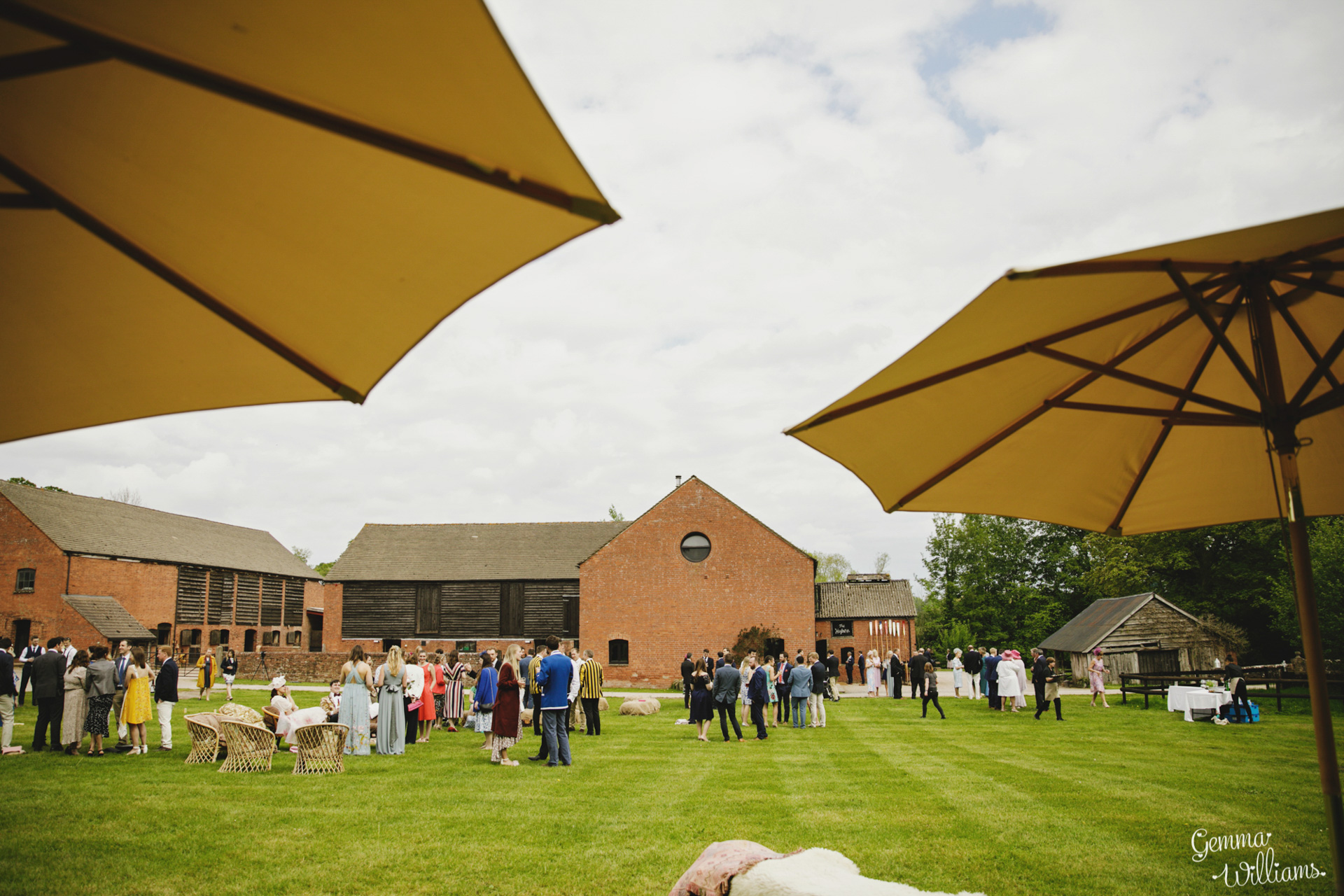 HaybarnWedding_GemmaWilliamsPhoto098.jpg