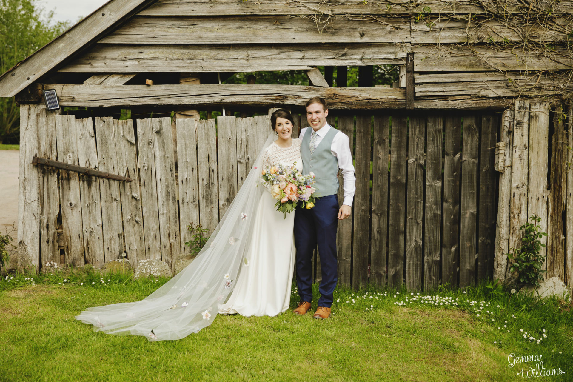 HaybarnWedding_GemmaWilliamsPhoto151.jpg