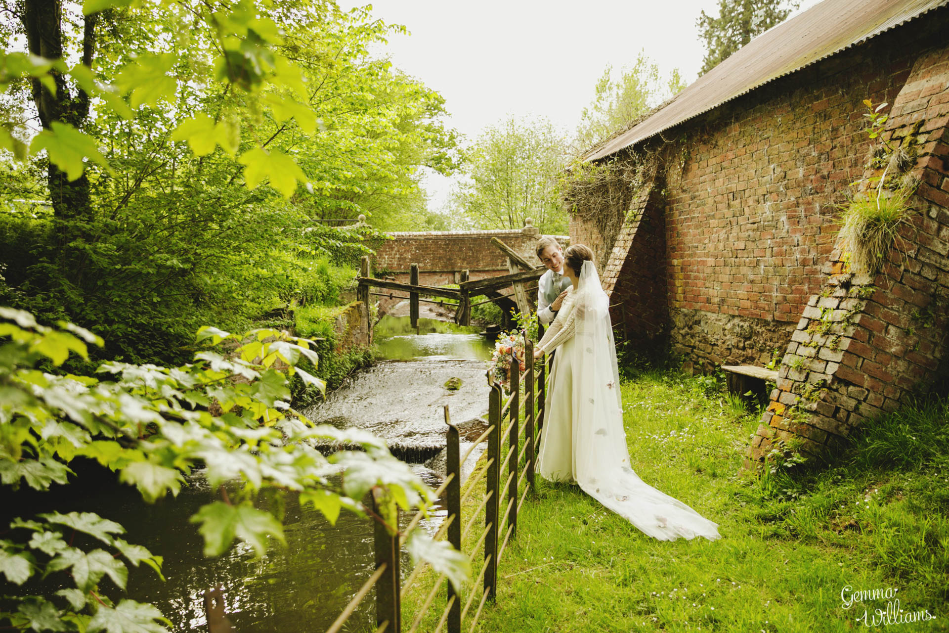 HaybarnWedding_GemmaWilliamsPhoto156.jpg
