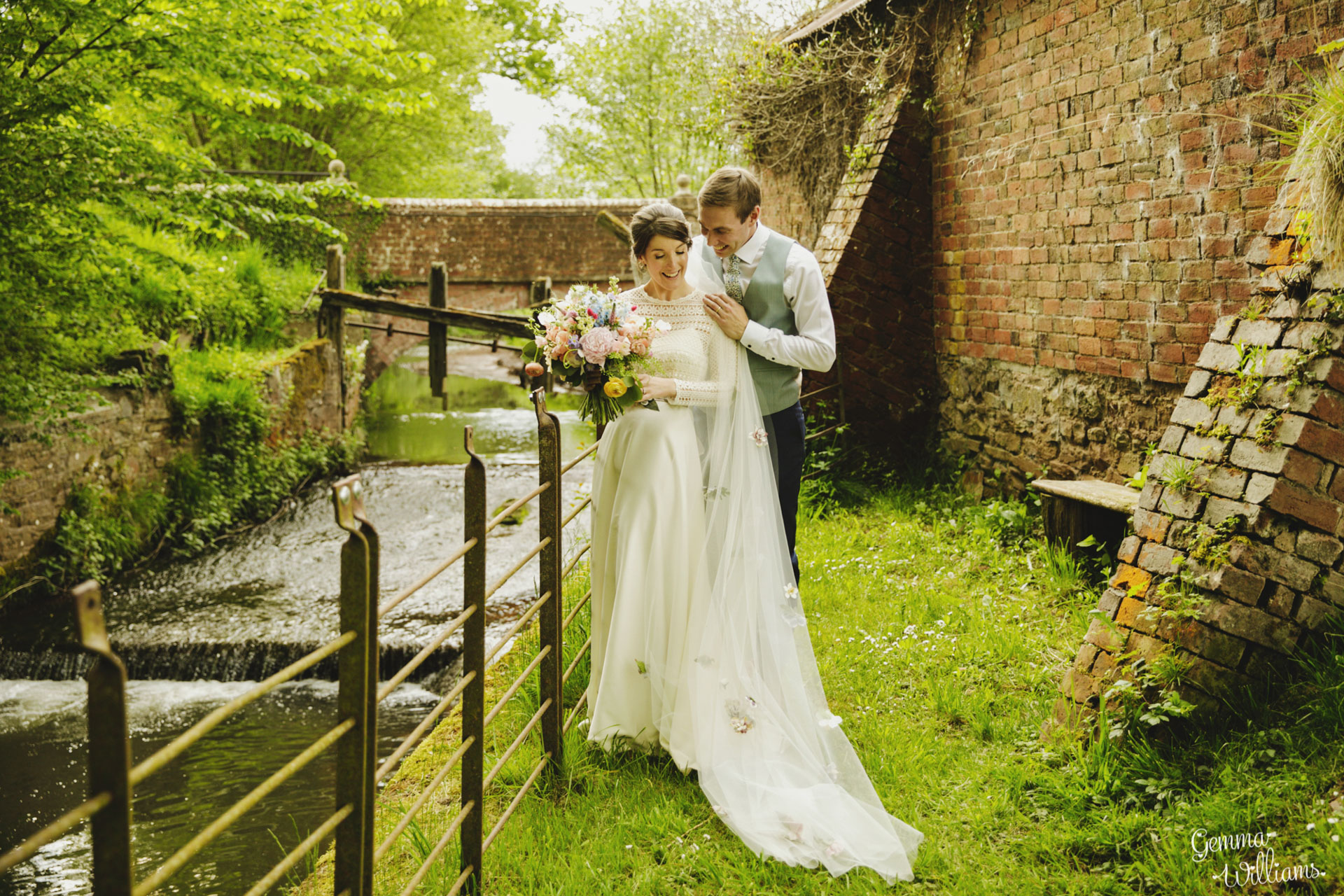 HaybarnWedding_GemmaWilliamsPhoto157.jpg