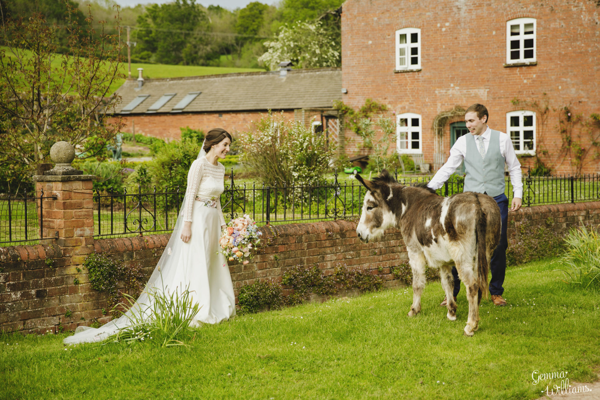 HaybarnWedding_GemmaWilliamsPhoto159.jpg
