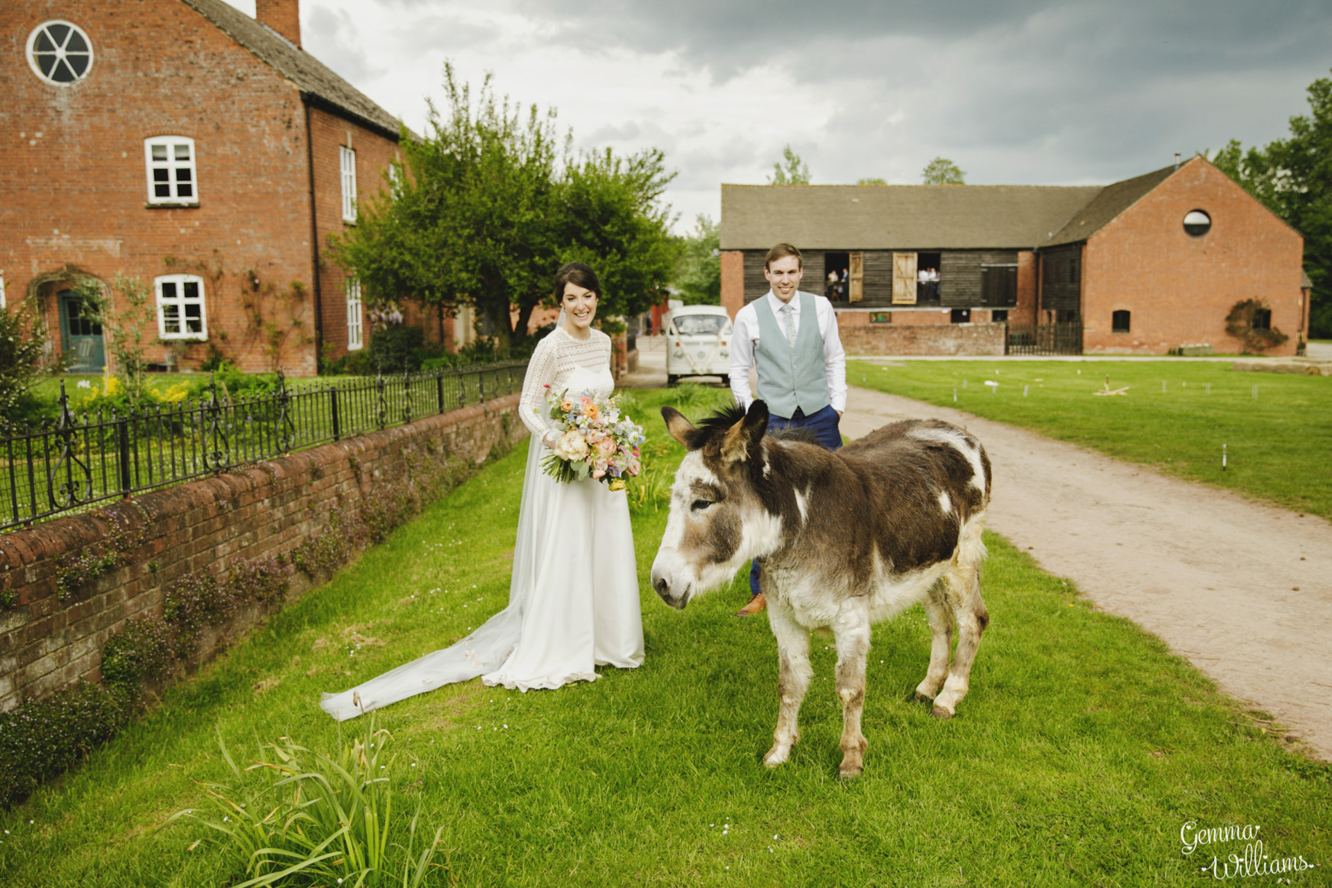 HaybarnWedding_GemmaWilliamsPhoto161.jpg