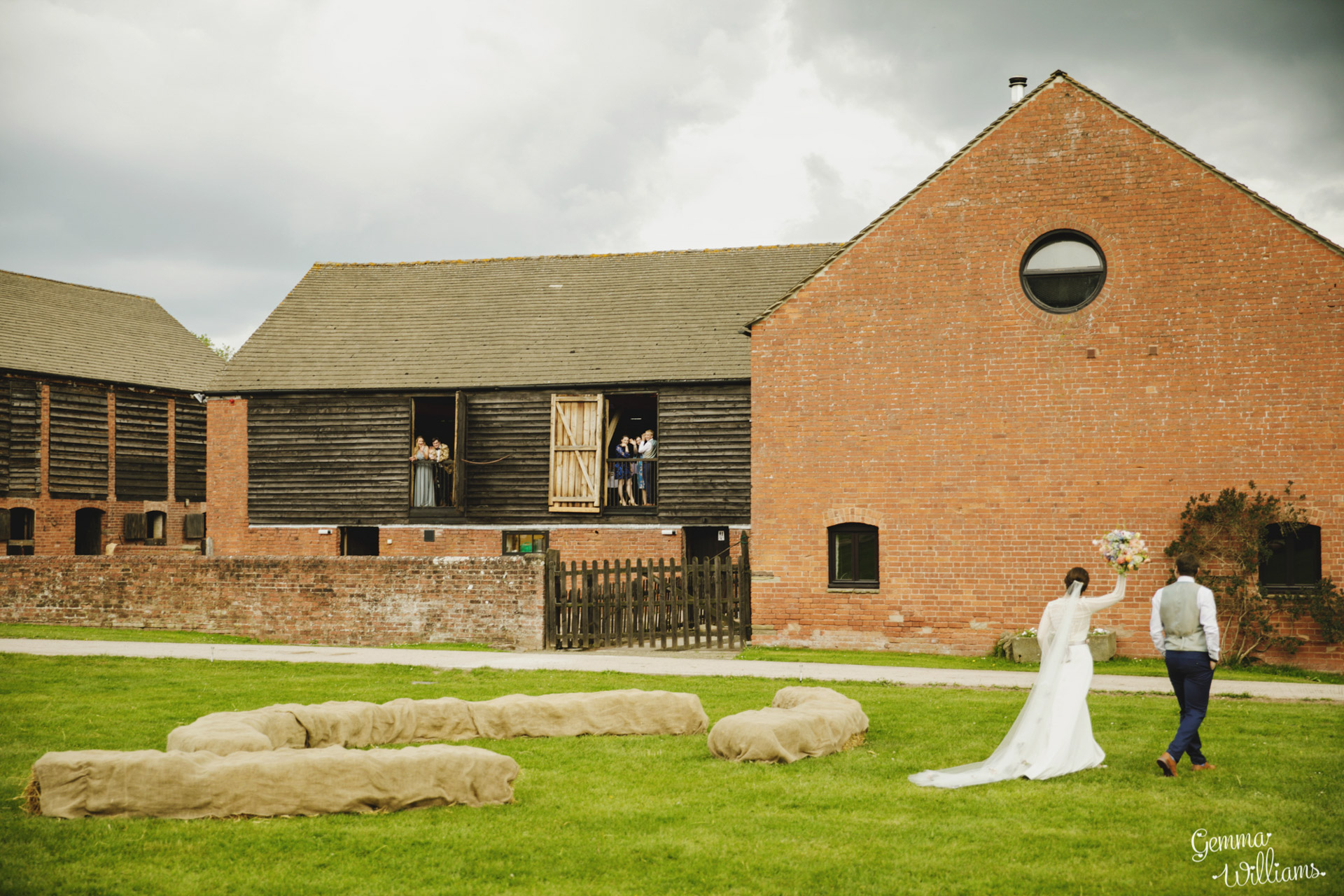 HaybarnWedding_GemmaWilliamsPhoto162.jpg