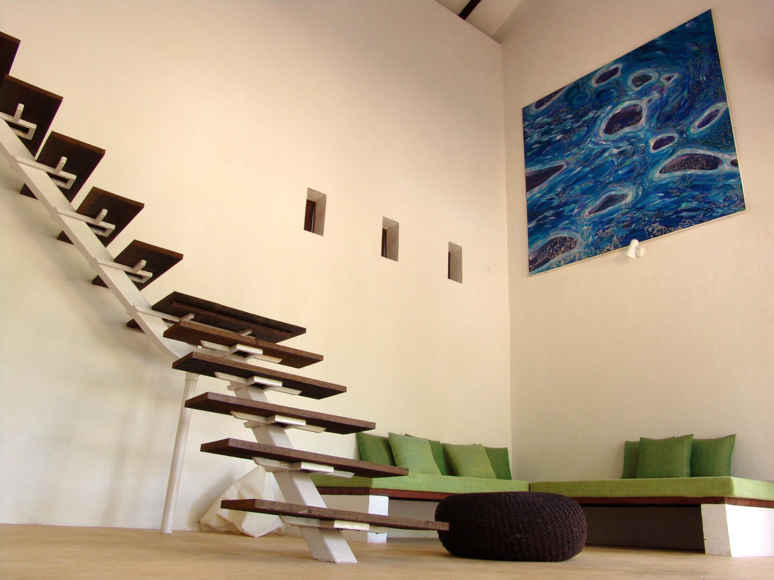 Tisro & Dusro Lounge.jpg