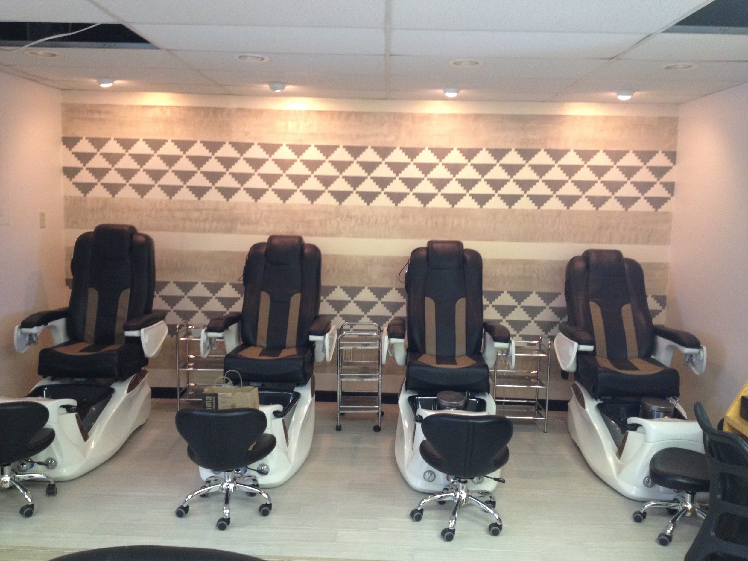La Rouge Nail Care in Beverly