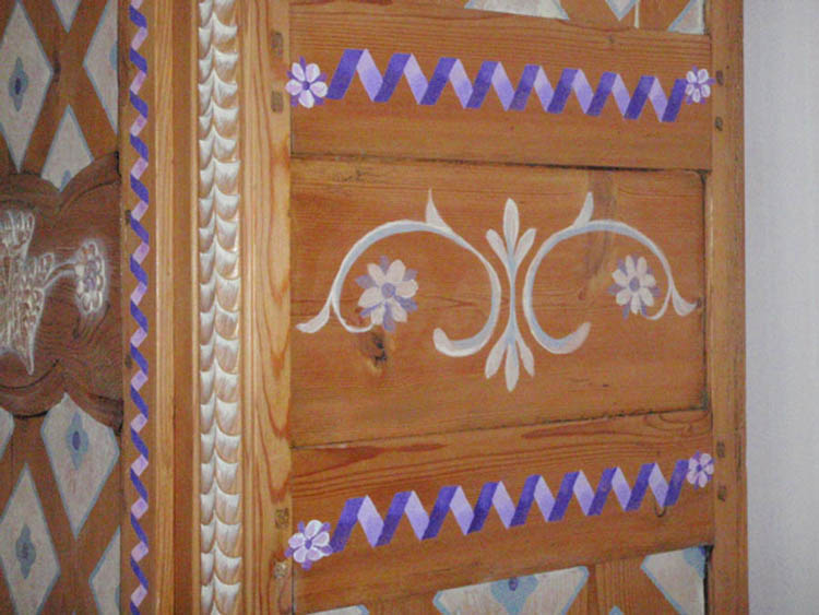 HAND PAINTED MOTIFES