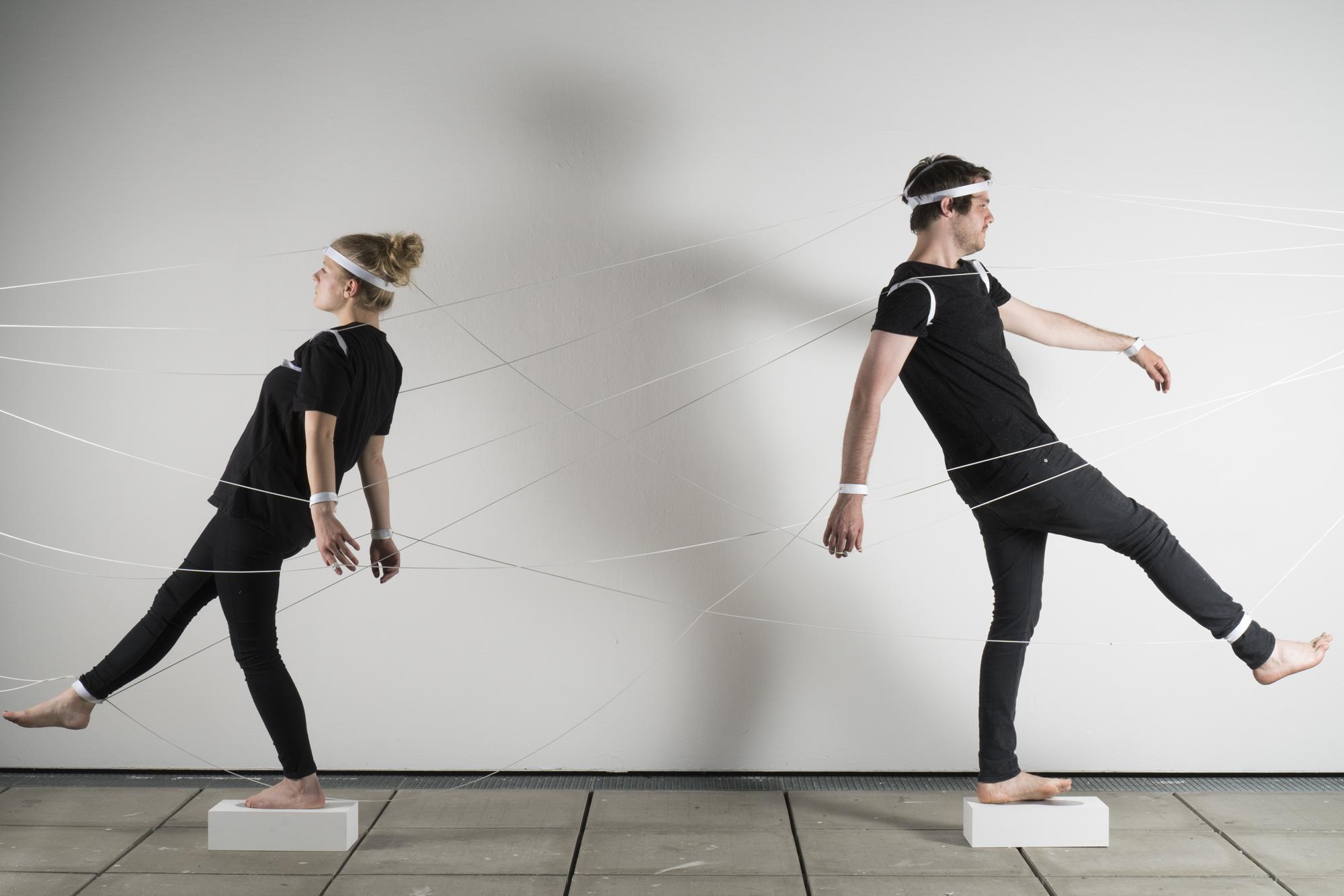 Phase 4 - Hybride - konfrontatives Experiment - Maskierung Autoren: Laura Lehle & Michael Varga Photo: J. Cafuk / Y. Kaiser