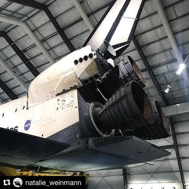 Academic associate @natalie_weinmann is on an #arts and #science #fieldtrip in #LA with @plasmamagazine — #Repost @natalie_weinmann ・・・ The #original #Endeavour #spaceshuttle @californiasciencecenter — #researchtrip #losangeles  #science #nasa #design #space #engineering