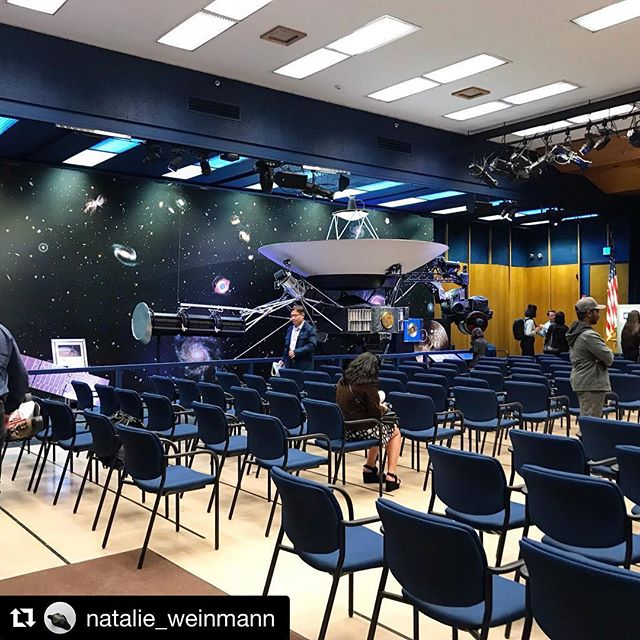 Academic associate @natalie_weinmann is on an #arts and #science #fieldtrip in #LA — #Repost @natalie_weinmann ・・・ #exhibition space and #public #talk @nasajpl : 'The Golden Age of Exoplanet Exploration' — Speakers: Jessie Christiansen, Research Scientist at the Caltech/IPAC NASA Exoplanet Science Institute, Caltech / Karl Stapelfeldt, Chief Scientist, NASA Exoplanet Exploration Program Office, JPL • • •  #science and #art #researchtrip #losangeles