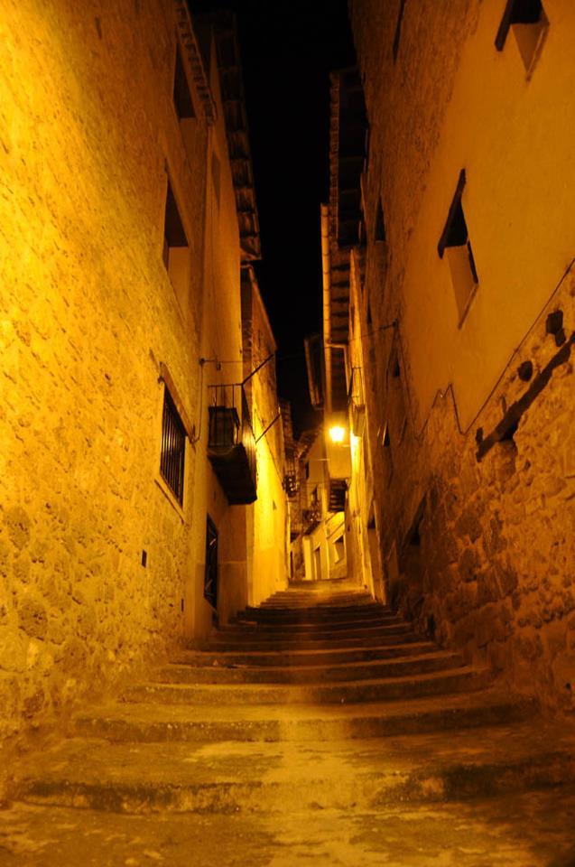escaleras fonda nocturno.jpg