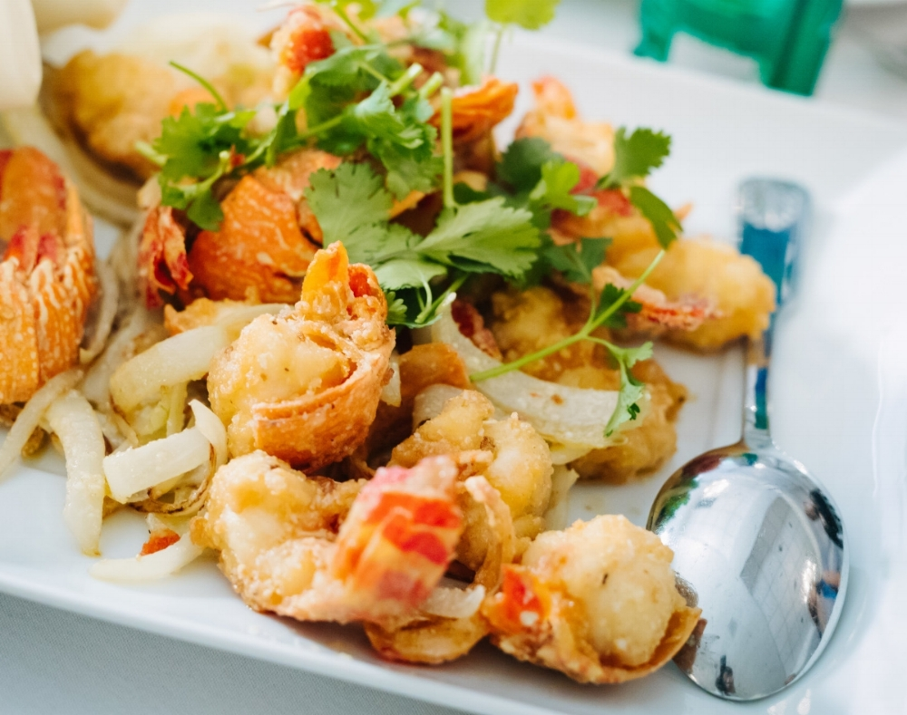 Lobster cheese   Tom hum xot pho mai