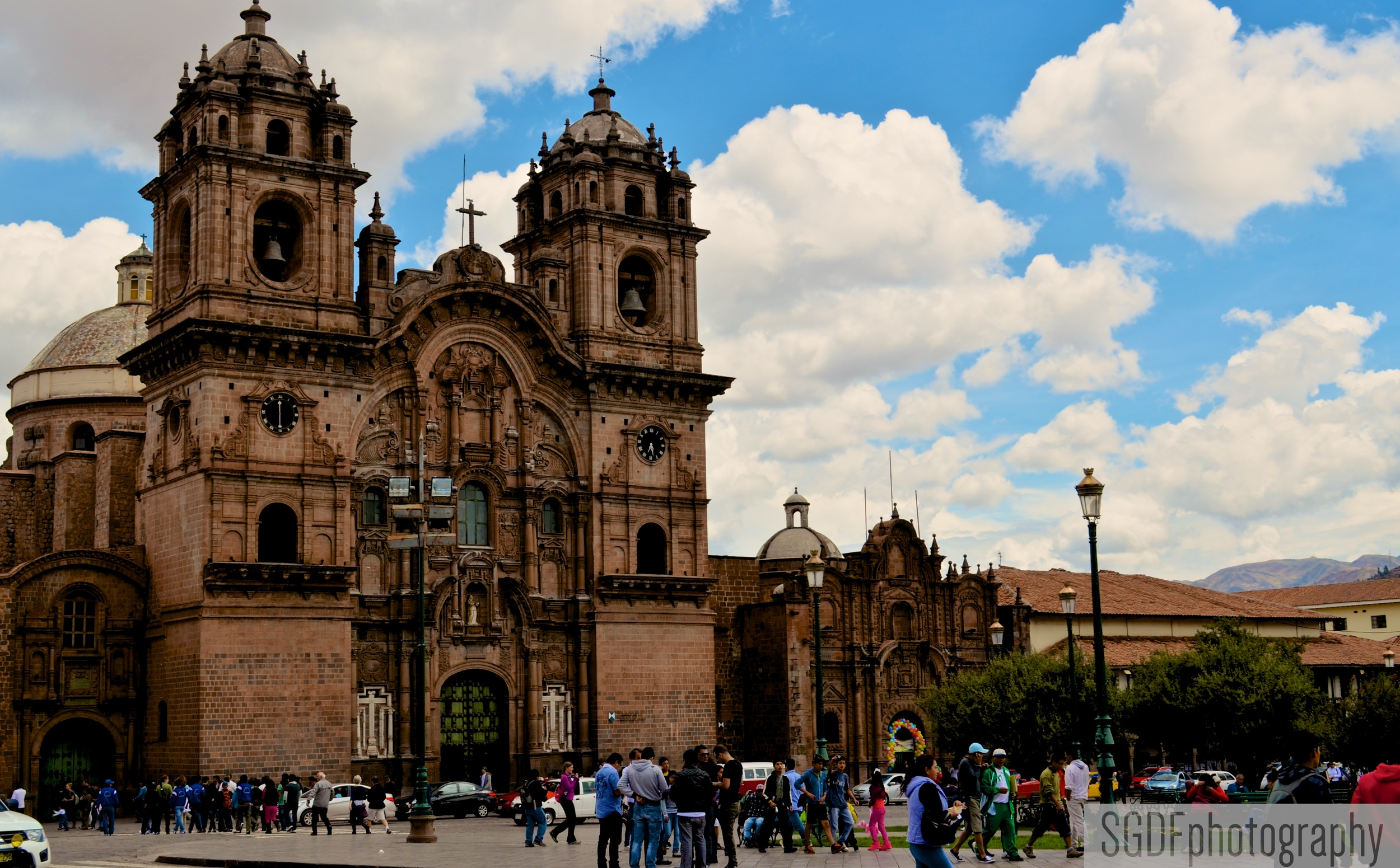 Iglesia de la Compania de Jesus, Plaza de Armas, Cusco, Peru (W).jpg