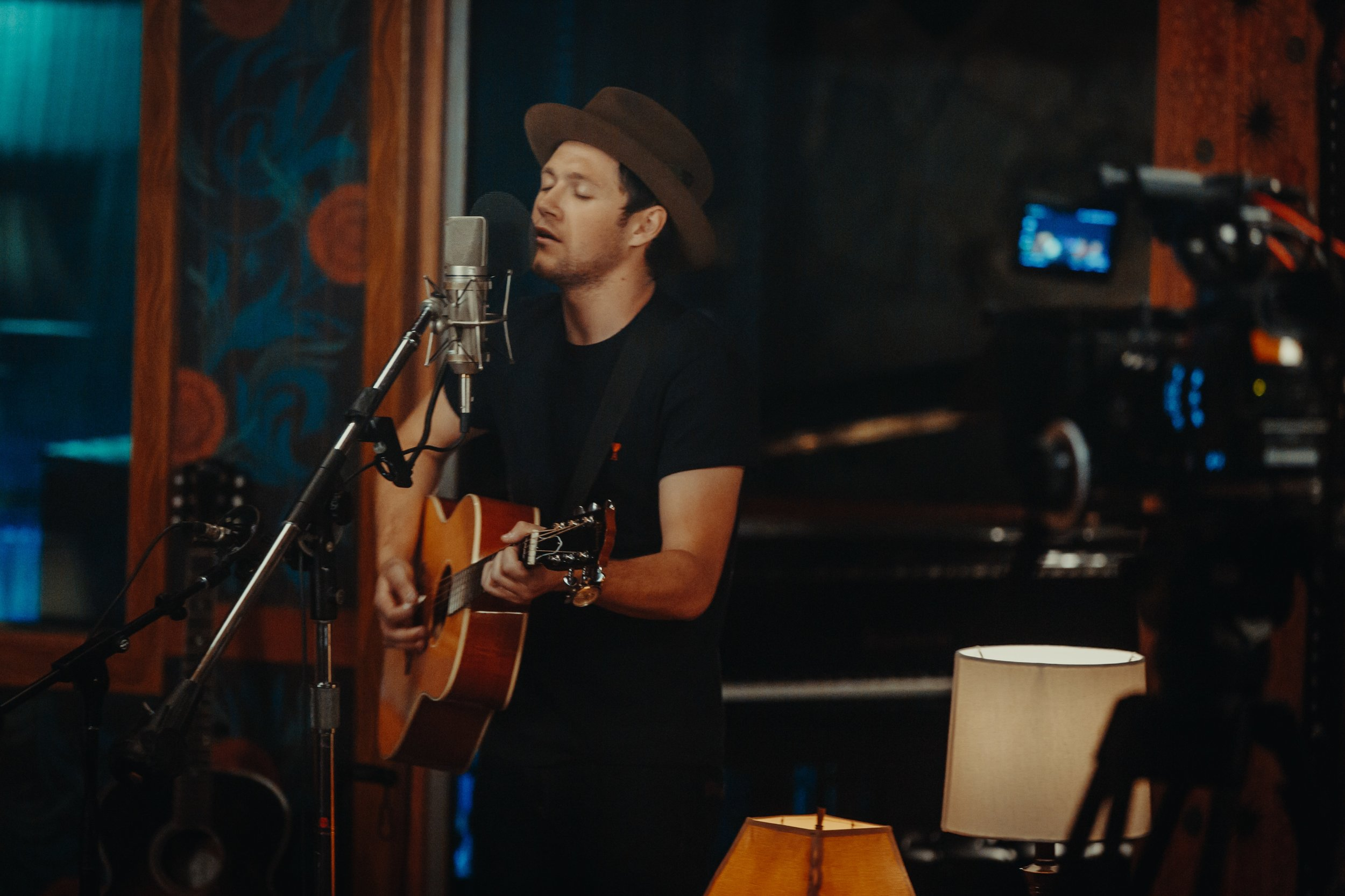Niall Horan - Publicity Image #5 (Conor McDonnell).jpg