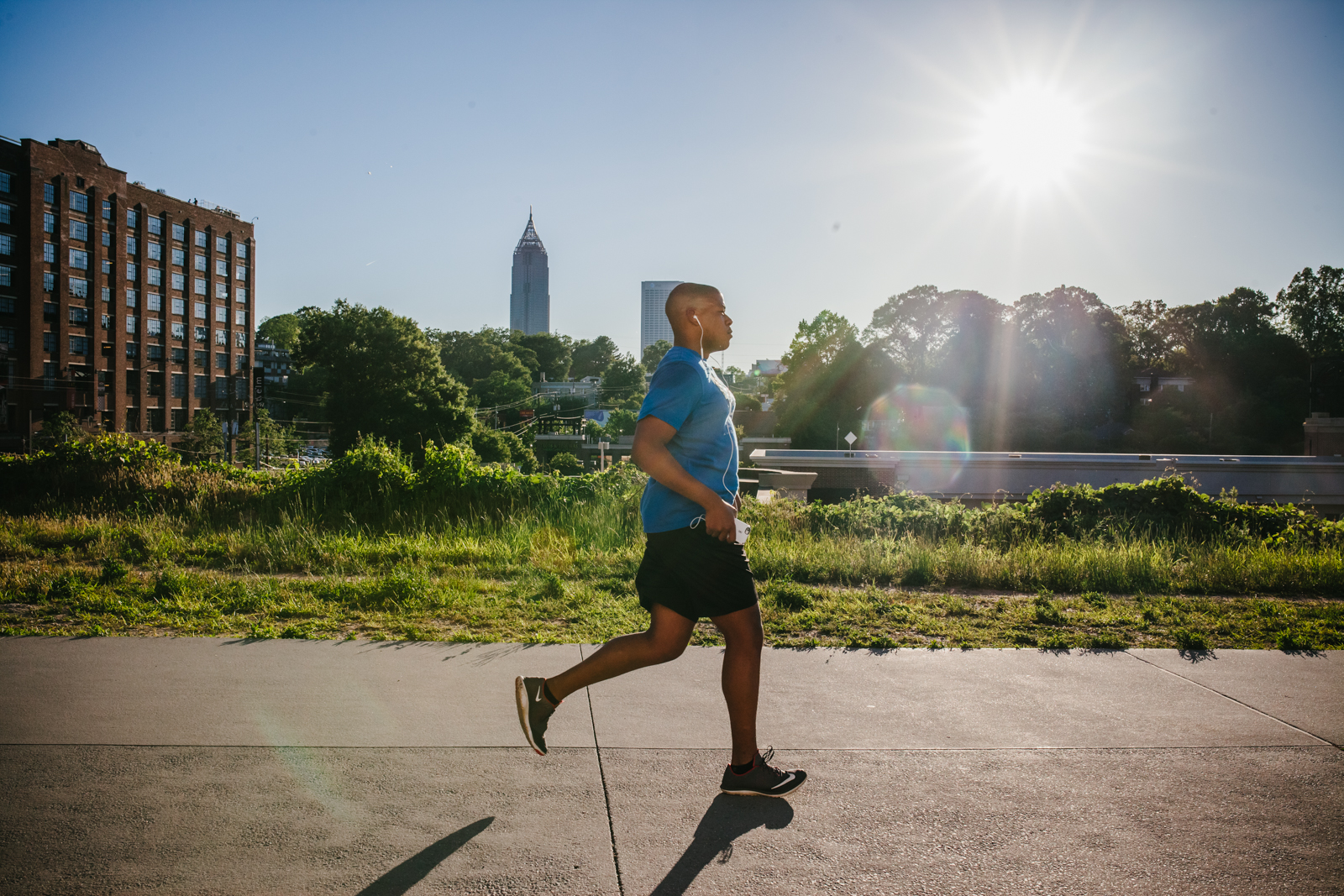 street photography image of runner on beltline from atlanta clickin walk 2017