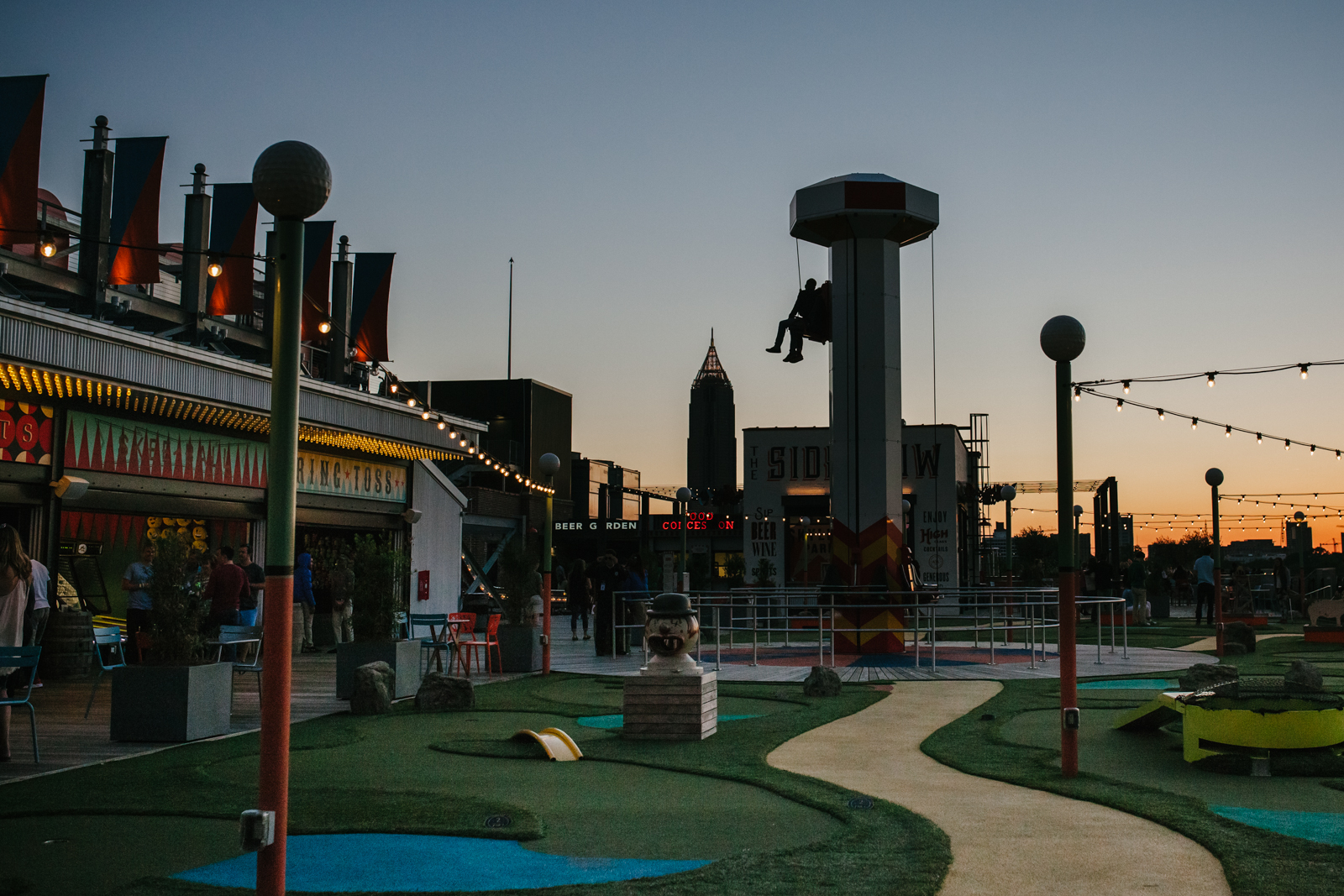 street photography image of skyline park at dusk from atlanta clickin walk 2017