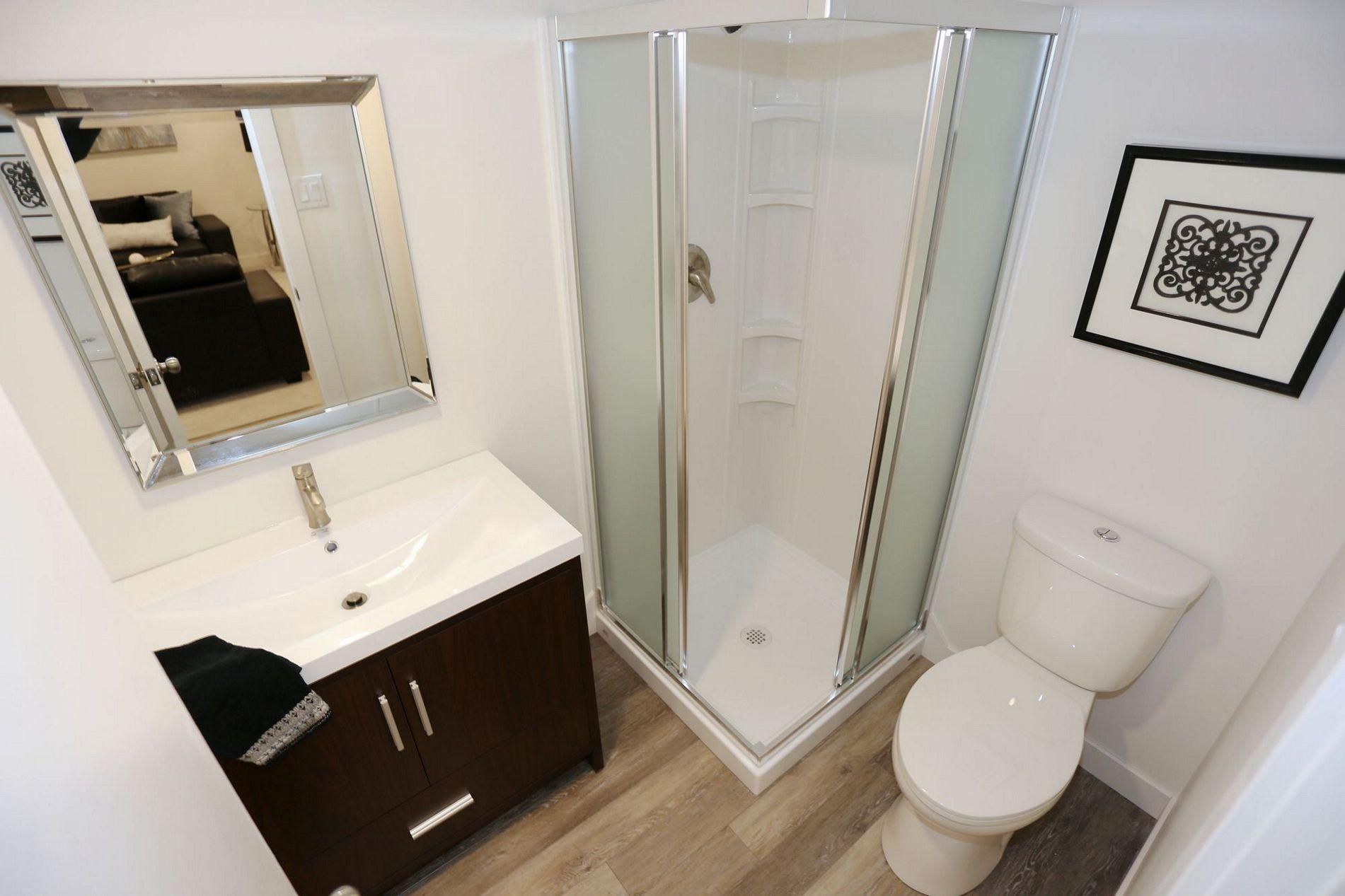 z-basement-bath-1a.jpg