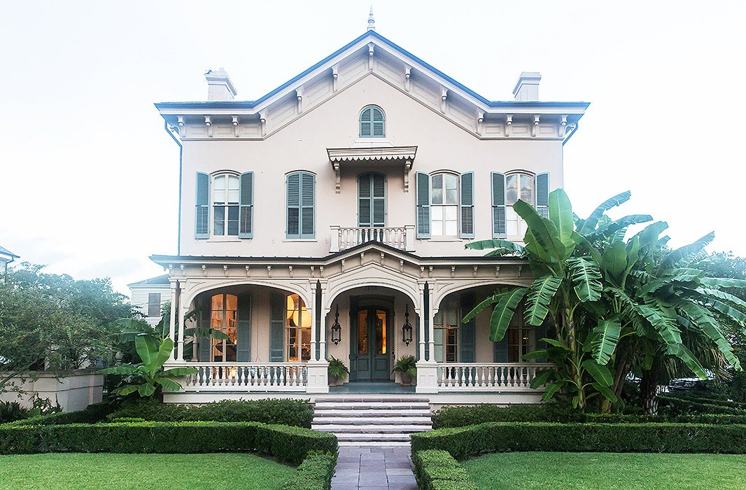 Built in 1868, the house had only three owners before Sara and Paul. The original owner liked to climb to the top of the roof and use a periscope to keep track of shipments coming and going on the Mississippi.